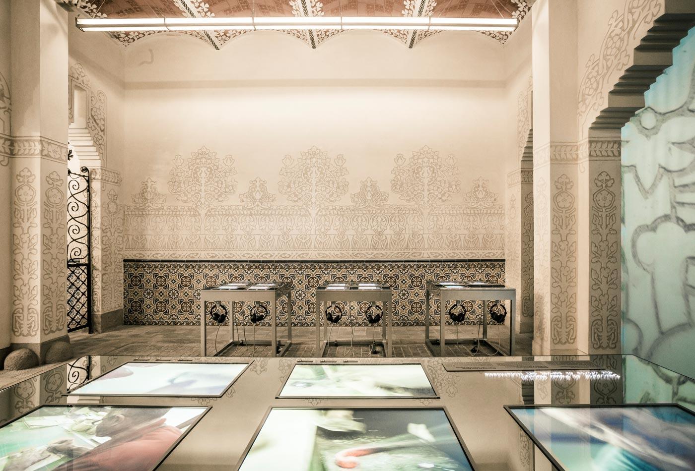 disseny-espai-exposicio-modernisme-palau-macaya